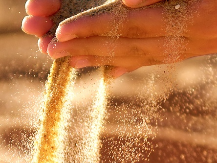 sandhand1