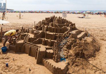 Playa_de_Levante,_Benidorm,_España,_2014-07-02,_DD_03